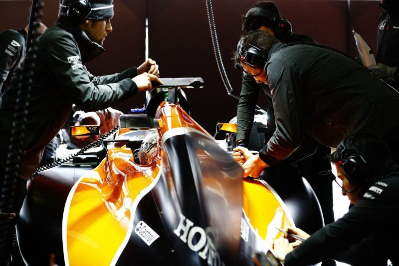 formula-1-testing-2017-mclaren