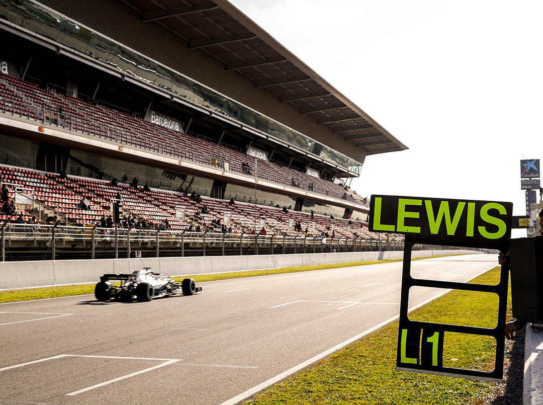 lewis-hamilton-testing-2019
