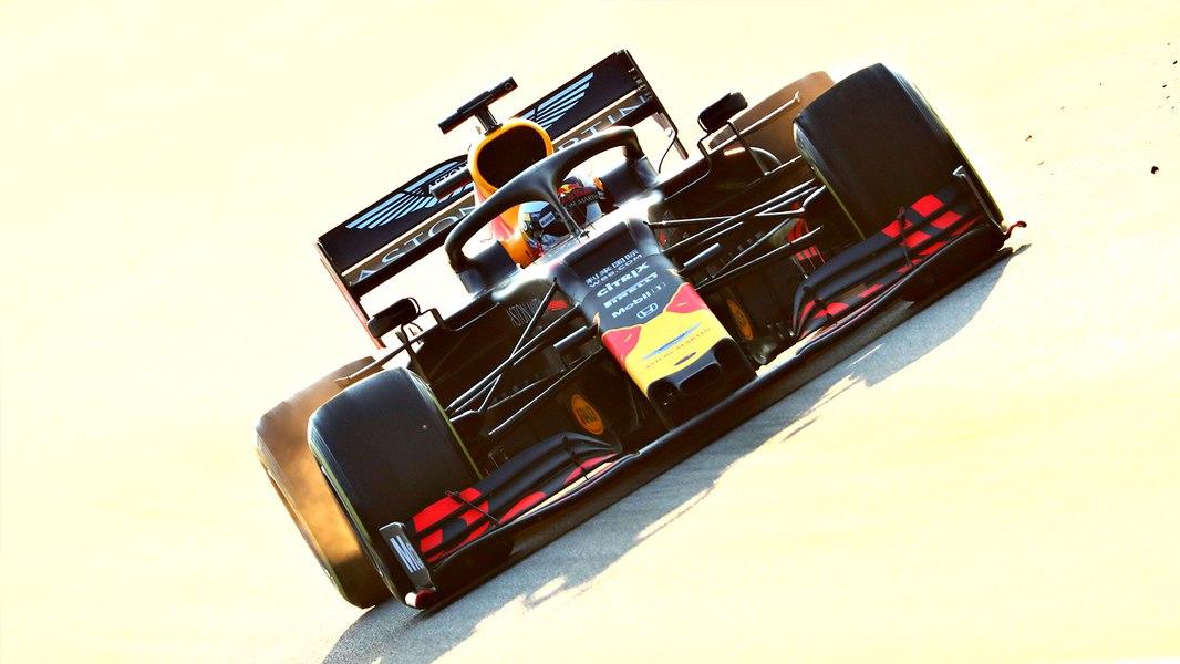 red-bull-racing-in-testing-with-honda